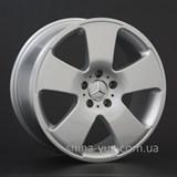 Replay Mercedes (MR49) 8x17 5x112 ET 43 Dia 66,6 (silver)