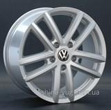 Replay Volkswagen (VV13) 8x18 5x130 ET 53 Dia 71,6 (silver)